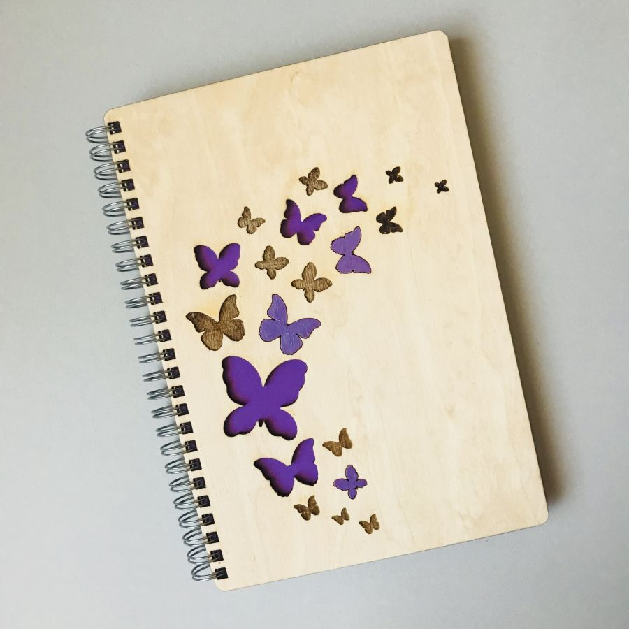 Dřevěný zápisník A5 – Motýlci