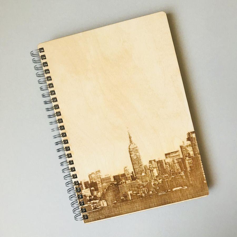 Dřevěný zápisník A5 – New York