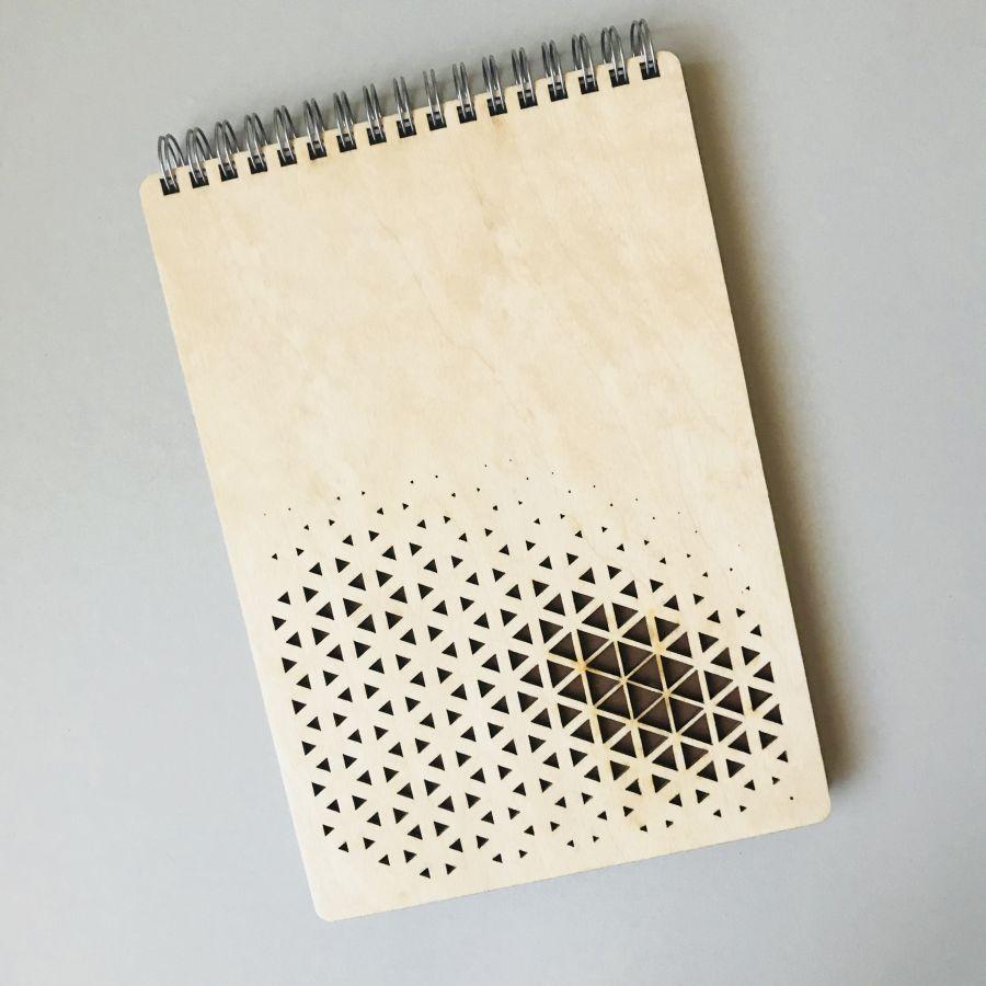Dřevěný zápisník A5 – Trojúhelníky