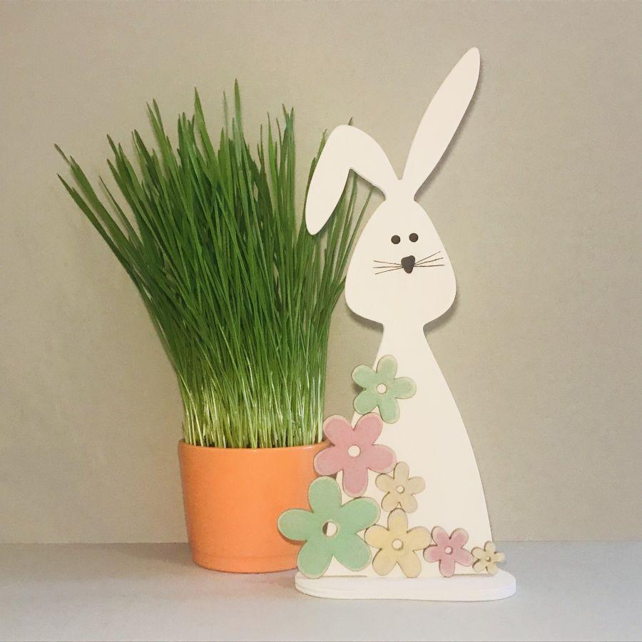 Velikonoční zajíček – barevné kytičky